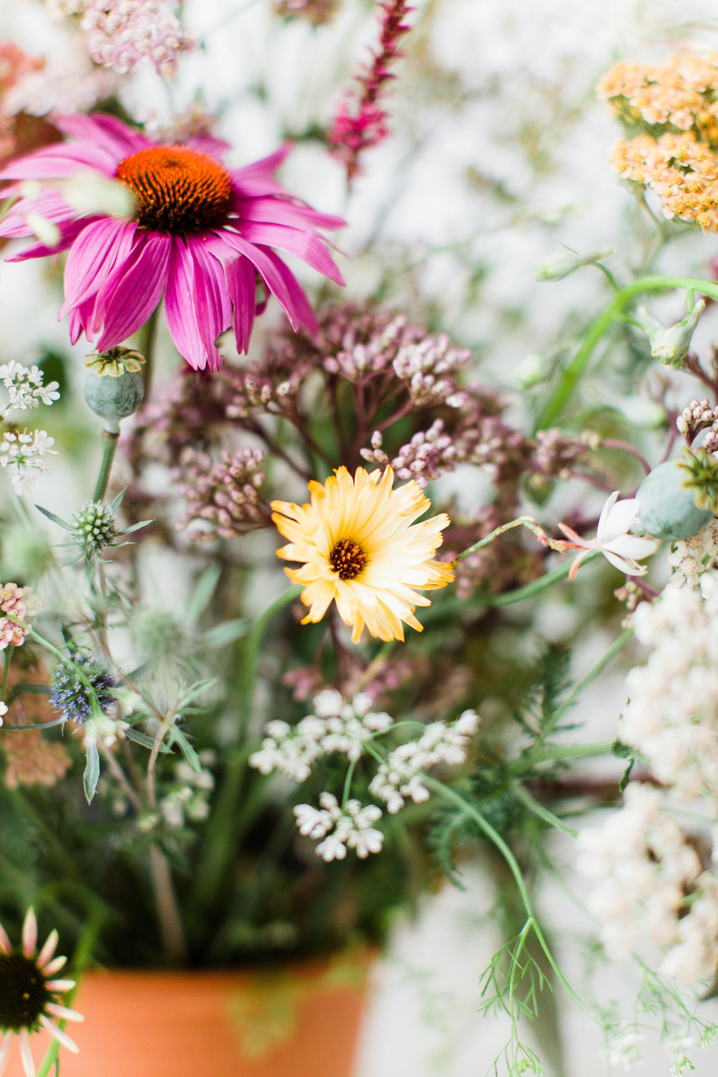 DIY Wildflower Arrangement // Styling U0026 Concept: Holly Marder / Avenue  Lifestyle //