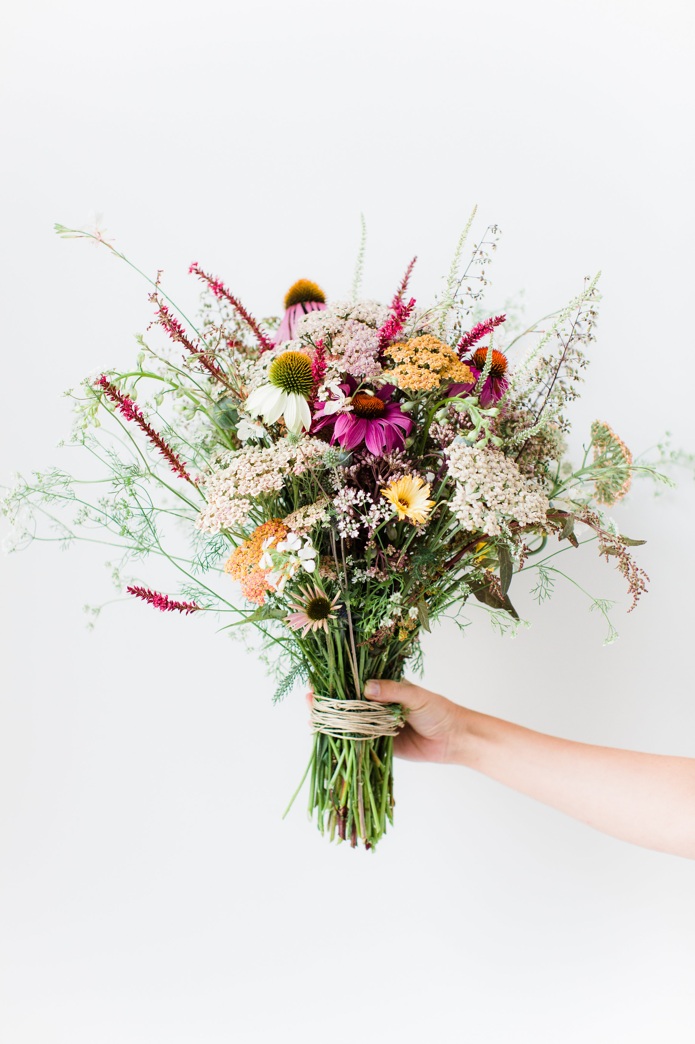 DIY Wildflower Arrangement - Avenue Lifestyle Avenue Lifestyle