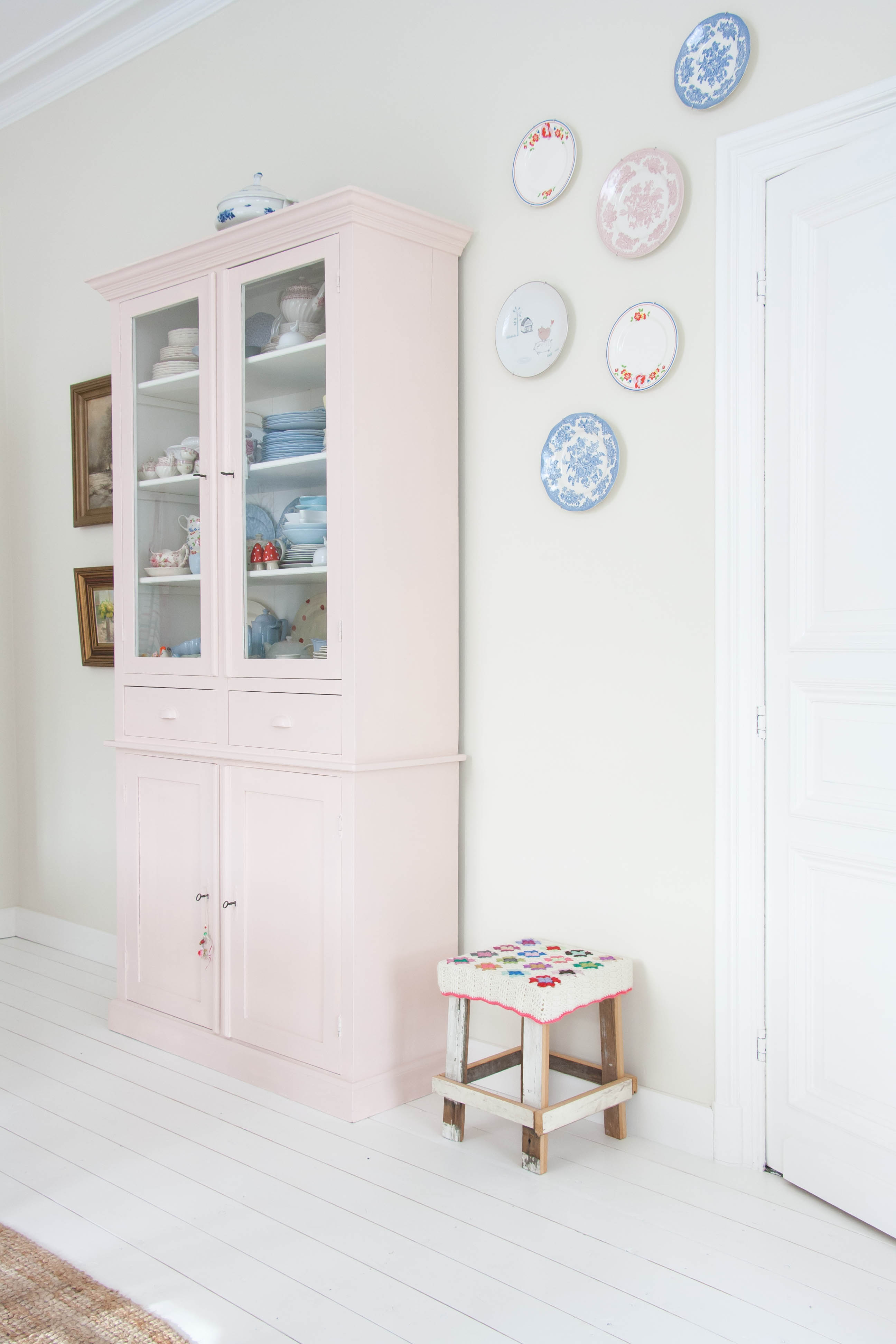 Inside Scoop Sweet Pastel Style In Belgium Avenue
