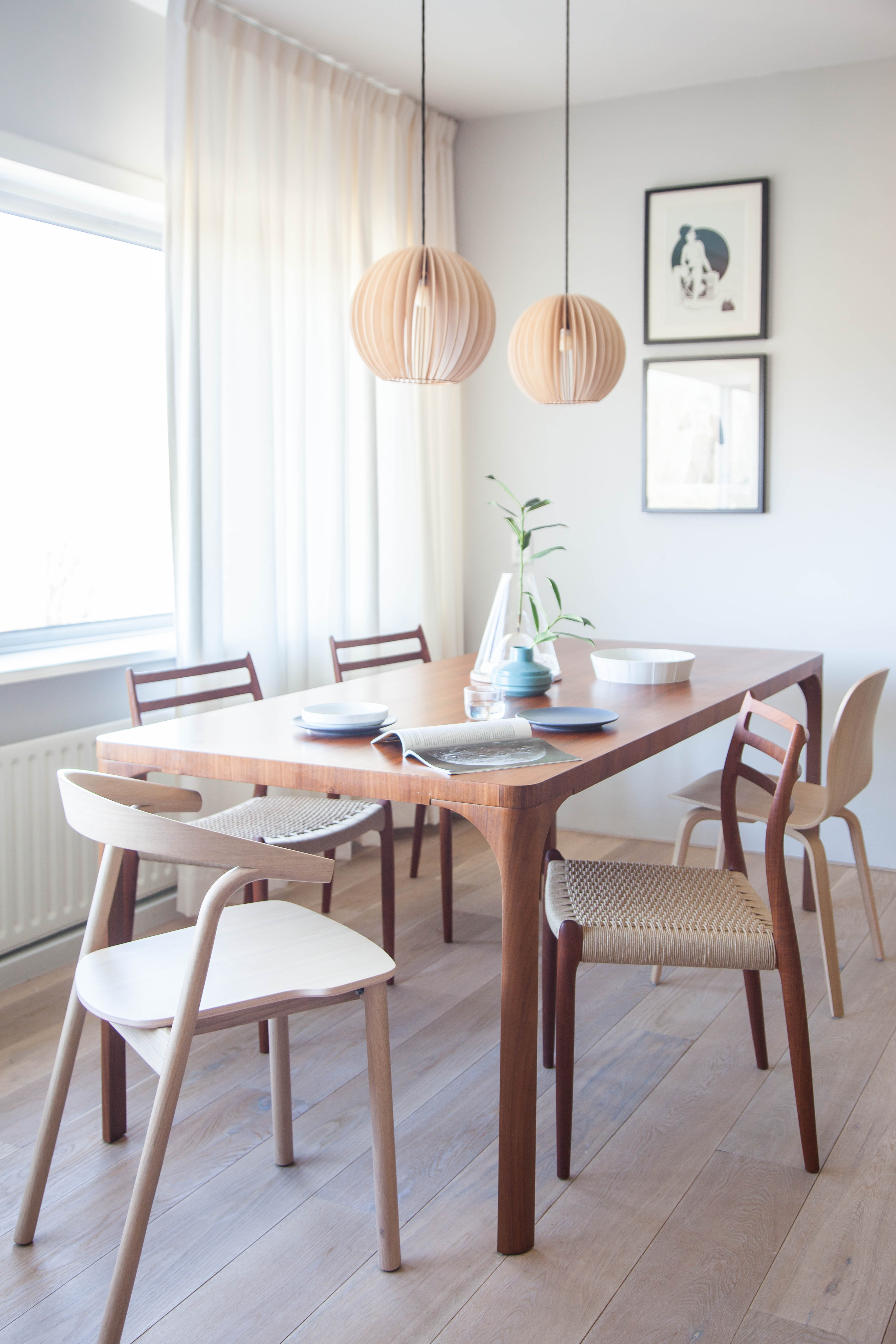 A Simplistic, Vintage-Infused Amsterdam Living Space Avenue Lifestyle